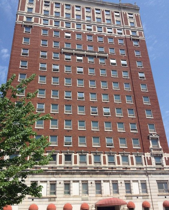 Livingston Oaks Apartments