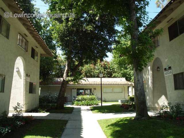 La Puente Park Apartments