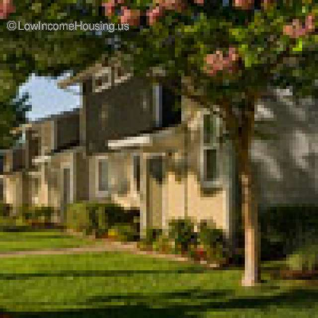 La Loma Apartment Homes for Families