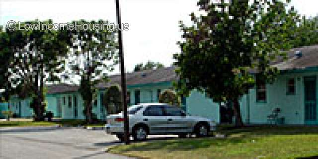 Glades-Diamond Housing - Senior Apartments