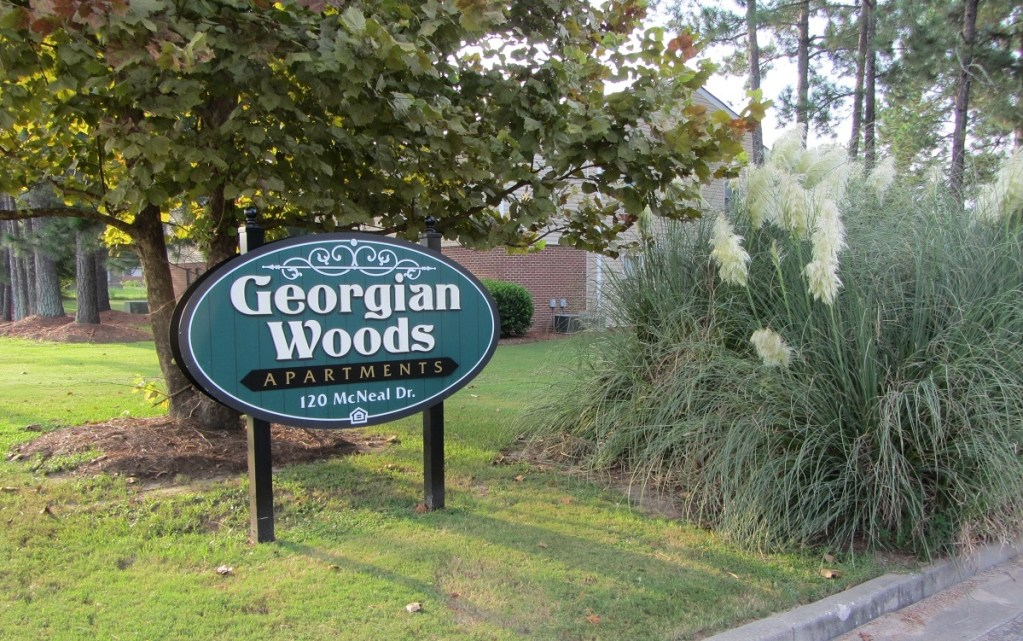Georgian Woods Apartments
