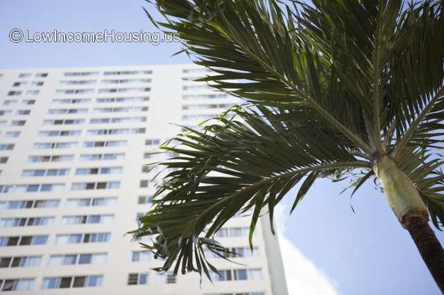 Maunakea Tower Apartments