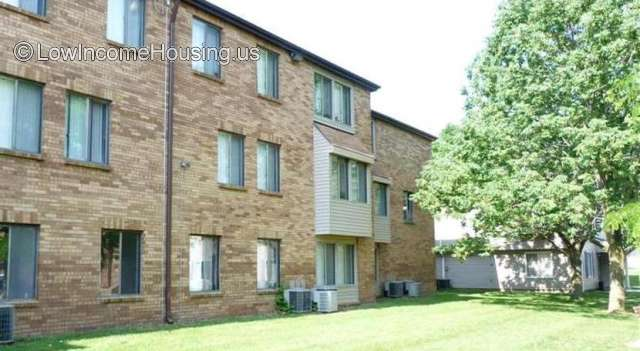 Castlewood Apartments