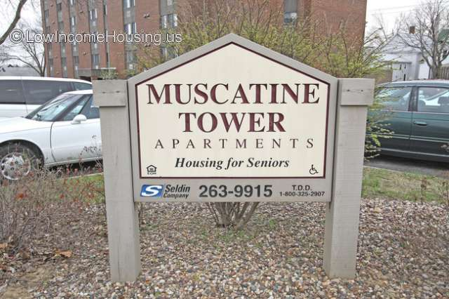 Muscatine Tower Apartments