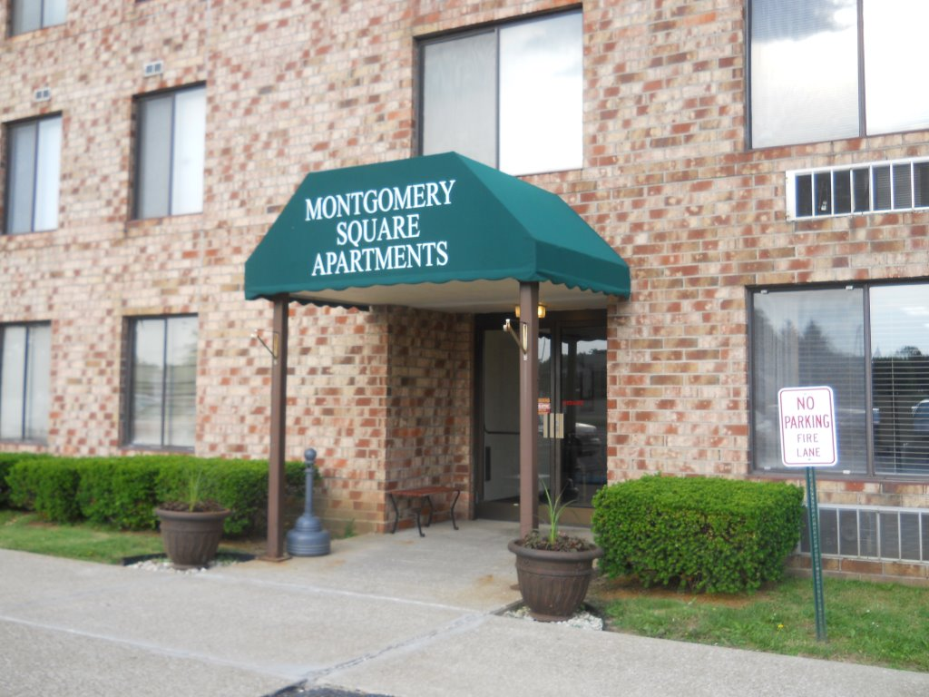 Montgomery Square Apartments