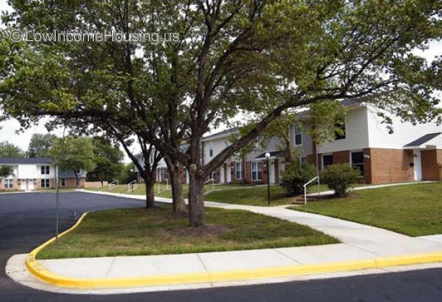 Laurelwood Condominiums