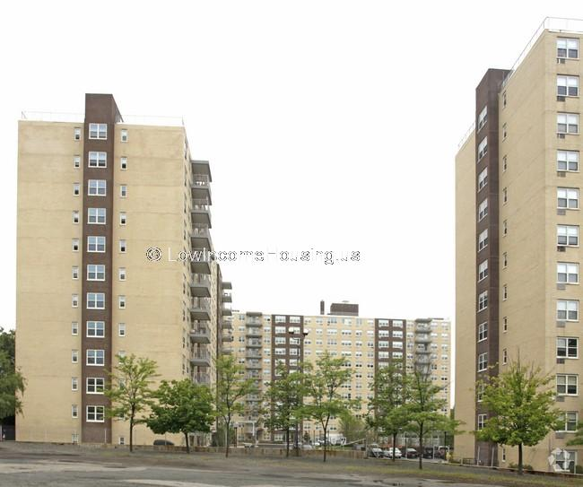 Clarendon Hill Towers Apartments