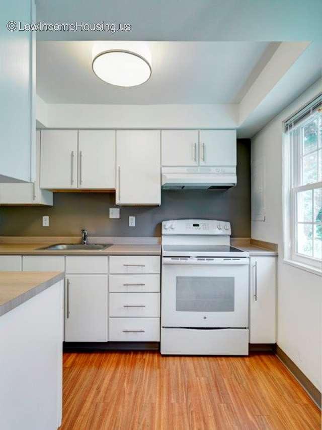 Colonial Estates | 1 Beacon Circle, Springfield, MA 01119 ...
