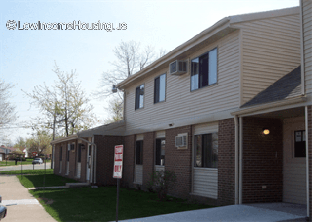 Knollwood Commons Apartments