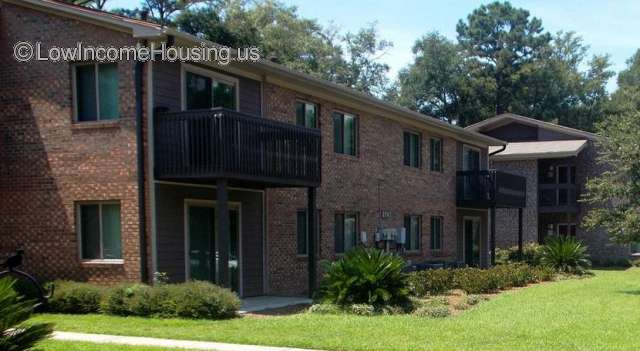 Mossy Oaks Apartments