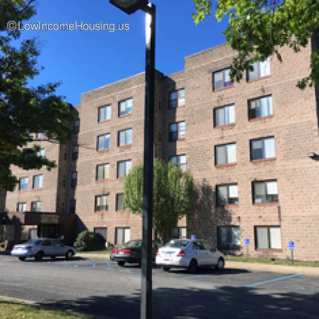 Oakmound Apartments