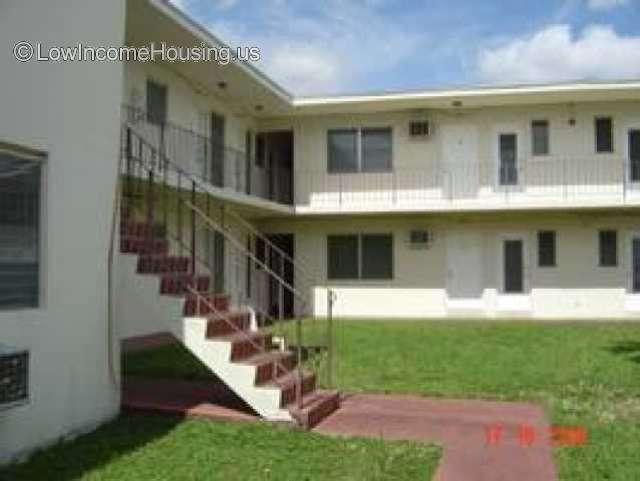Caribbean Club Apartments Miami 690 Ne 133rd St Miami