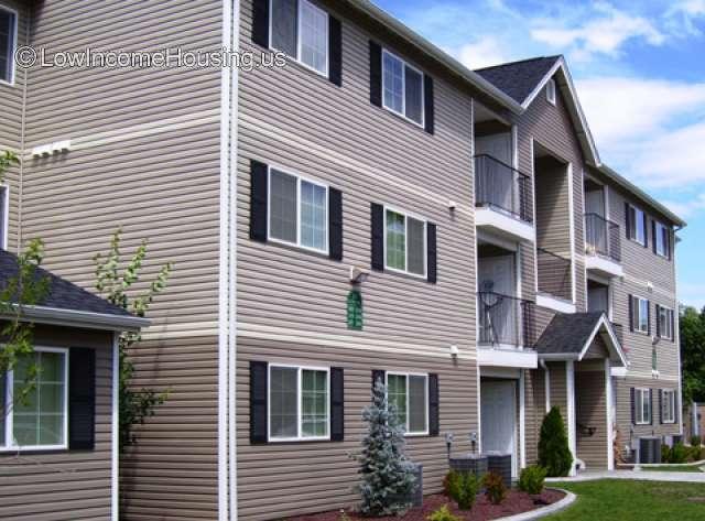 Chestnut Court Apartments