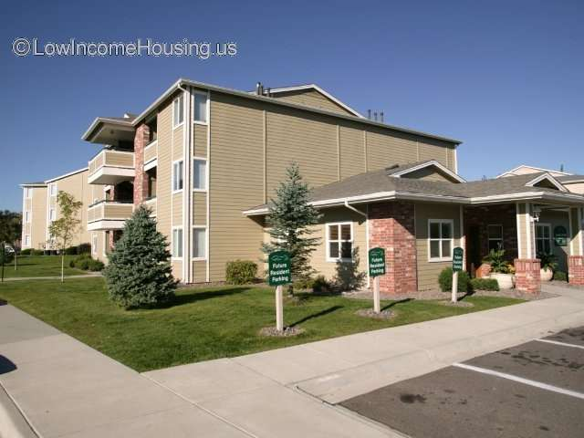 Fox Crossing ApartmentsDenver CO Low Income Housing   Denver Low Income Apartments   Low  . Low Income Apartments Downtown Denver Co. Home Design Ideas
