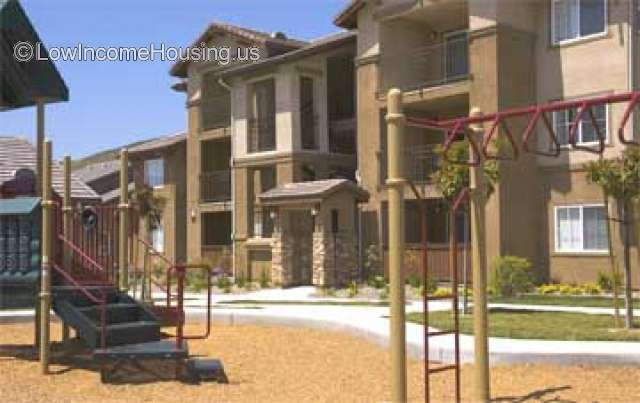 Hunters Pointe Apartments 7270 Calle Plata Carlsbad CA 92009