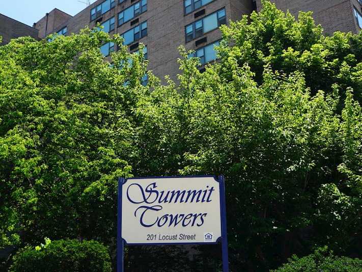 Summit Towers Apartments