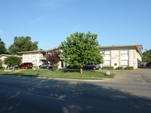 Lakewood Gardens Apartments