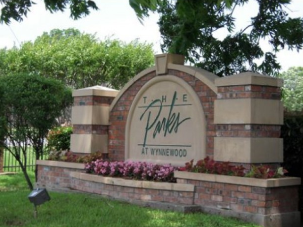 Parks at Wynnewood Apartments