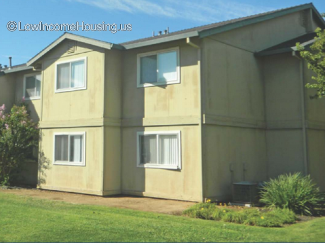 Brookside Crossing Apartments