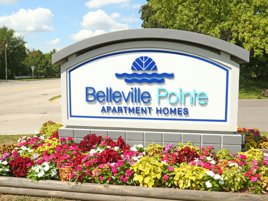 Belleville Pointe Apartments
