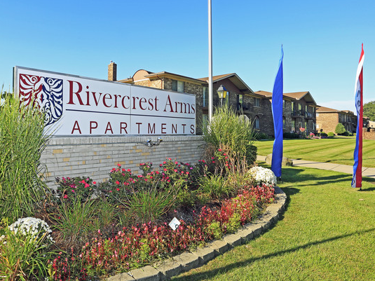 Rivercrest Arms