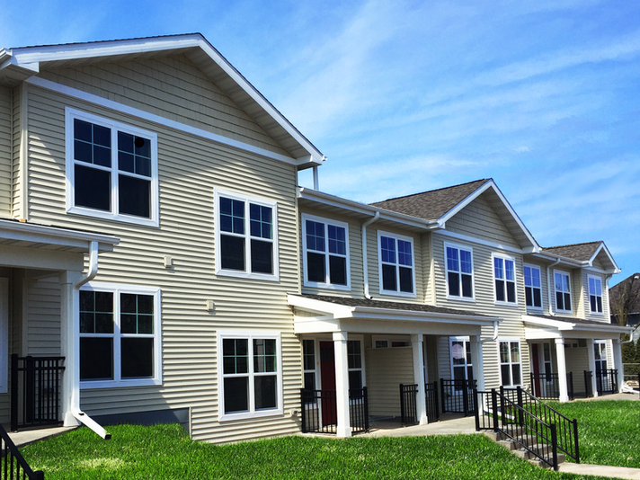 Newbury Place Apartments & Townhomes