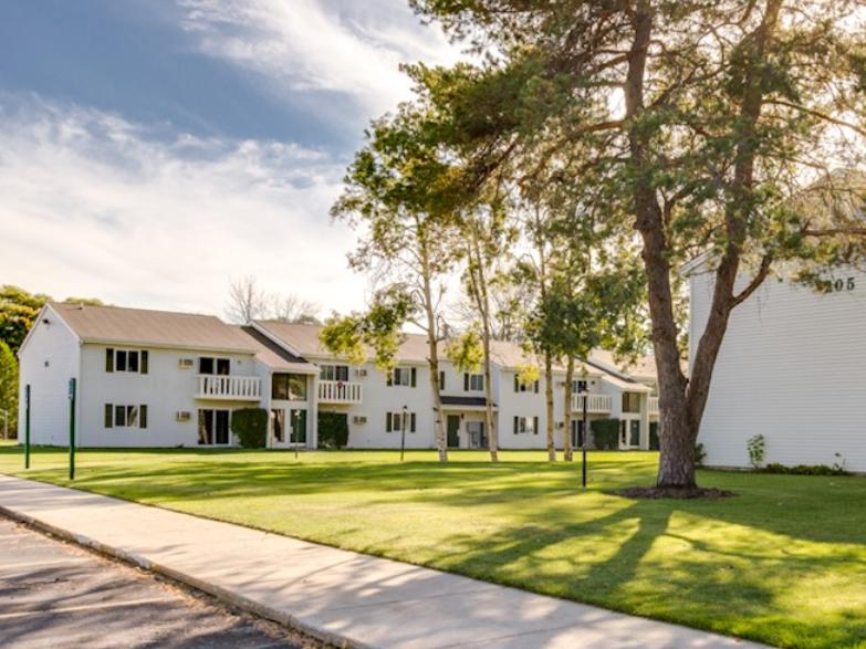 Brookwood Gardens Apartments