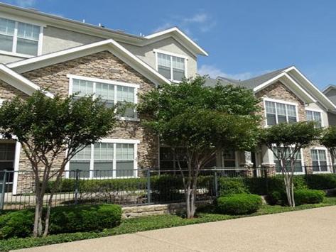 Delafield Villas