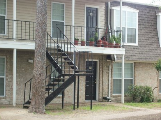 Northshore Meadows Apartments