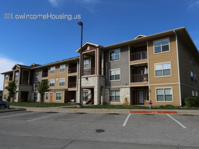 Inwood Crossings Apartments