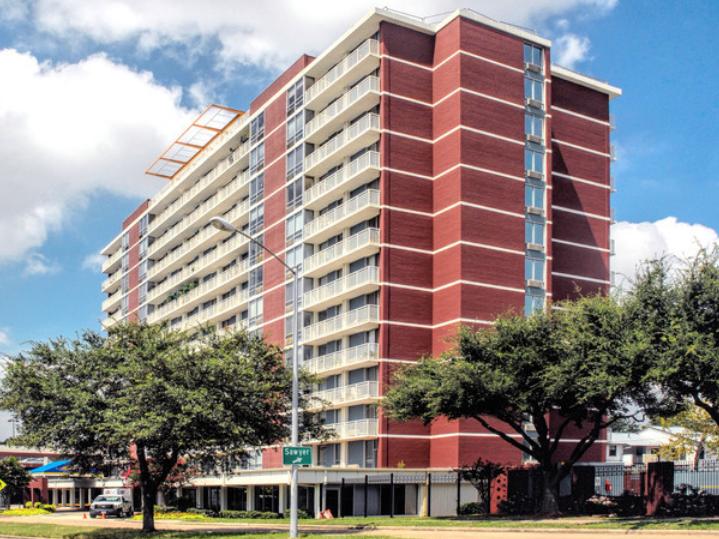 2100 Memorial Apartments